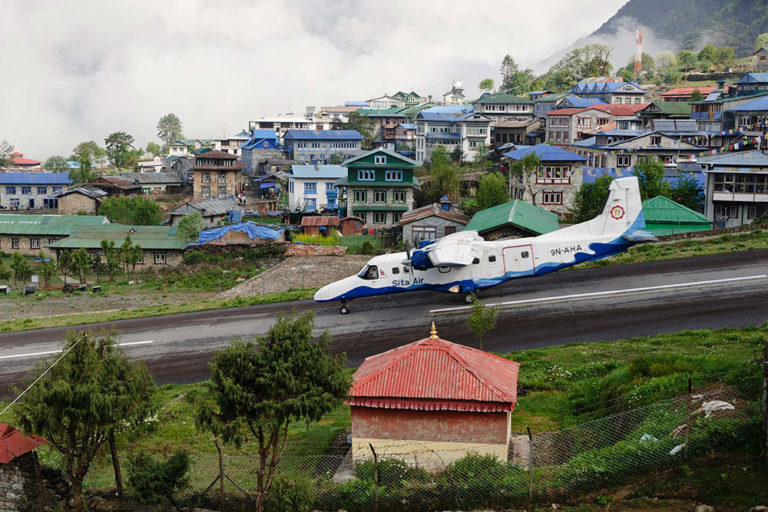 The Most Dangerous Runways Around the World Will Make Even the Most Experienced Pilot Nervous