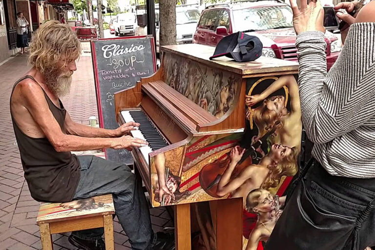 Homeless Veteran's Piano Playing Goes Viral and Transforms His Life in More Ways than One